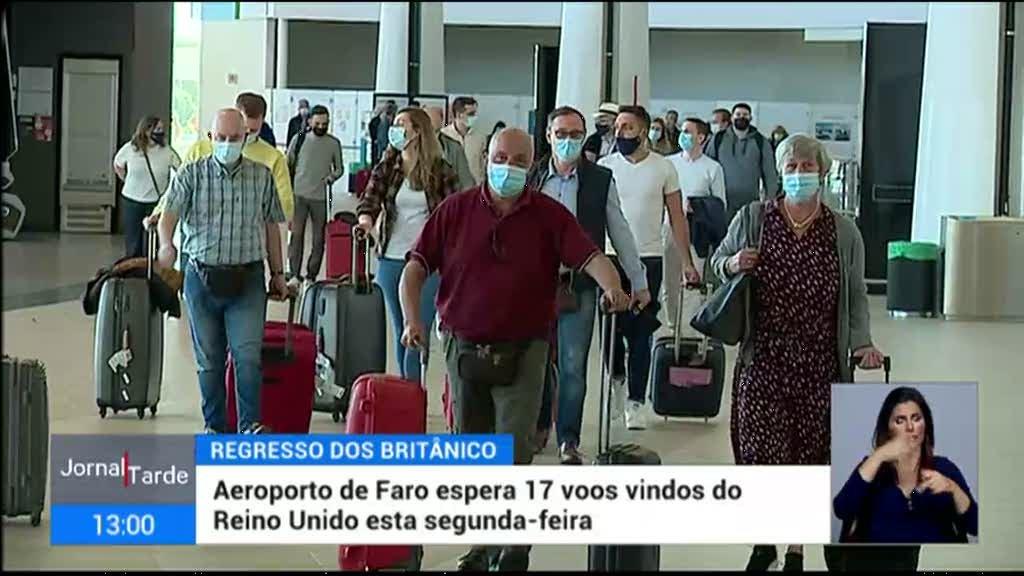 Turistas ingleses de regresso a Portugal