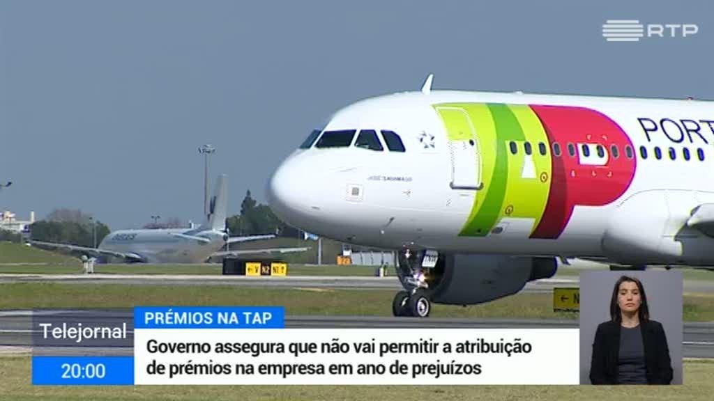 """TAP. Ministro das Infraestruturas considera """"inaceitável"""" a atribuição de prémios"""