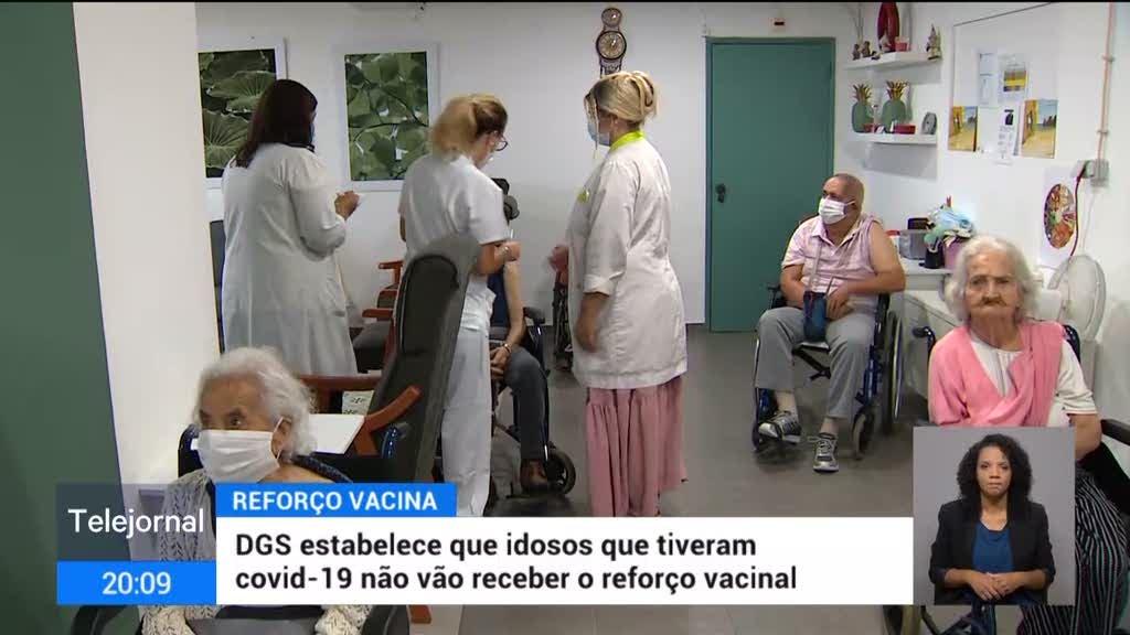 Idosos que tiveram covid-19 não vão receber reforço da vacina