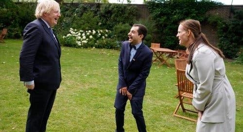 Covid-19: Enfermeiro português recebido pelo PM britânico Boris ...