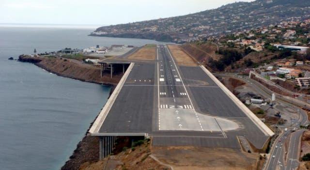 Aeroporto Madeira : Pistas do aeroporto da madeira devem fechar quando o vento