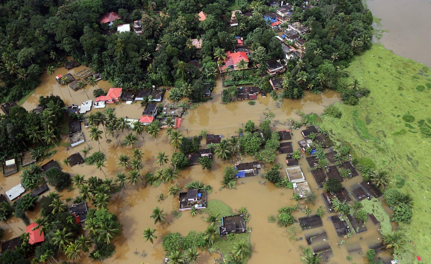 Casas submergidas em Kerala