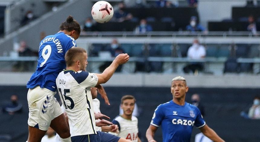 Calvert-Lewin marcou o golo do triunfo do Everton