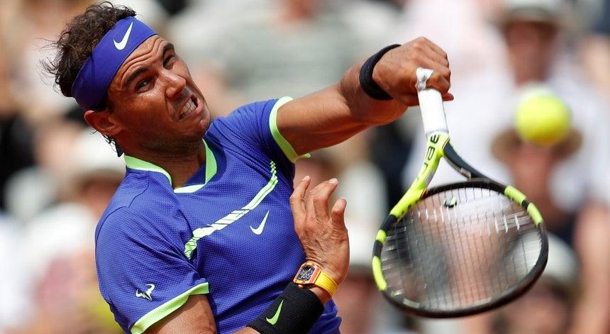 9257210d24d Rafael Nadal apura-se para a 11ª final em Paris - Ténis - Desporto ...