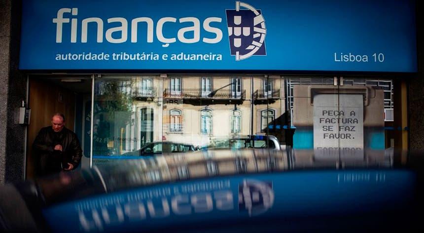 Resultado de imagem para Fisco deteta erro em 10 mil declarações de IRS de 2015 e exige devolução de 3,5 milhões de euros
