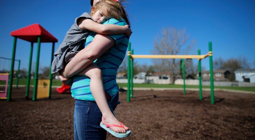 """""""Os pais que ficam juntos 'para o bem dos filhos' até podem ter uma vida de família, mas será sempre cheia de conflito e stress e isso vai afetar a criança"""", diz a investigadora"""