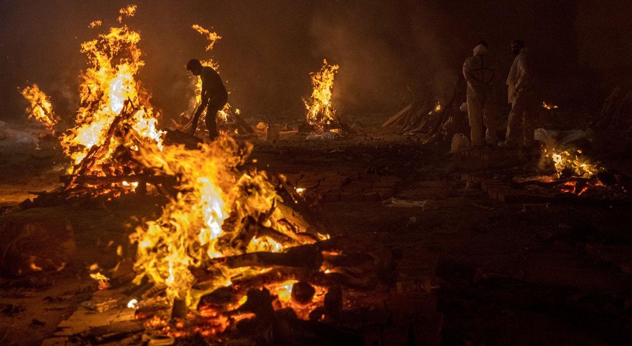 Nova Deli. Crematório ao ar livre | Danish Siddiqui - Reuters