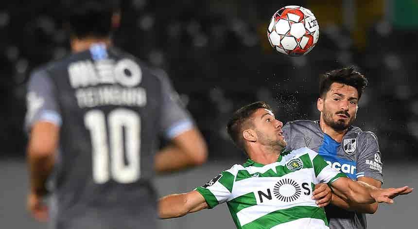 Vitória de Guimarães e Sporting empatam no regresso à competição