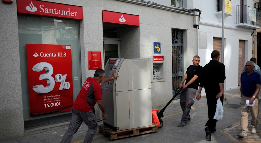 Para concretizar esta operação, o Santander tem previsto realizar um aumento de capital de sete mil milhões de euros
