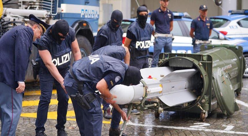O míssil recuperado pelas autoridades italianas