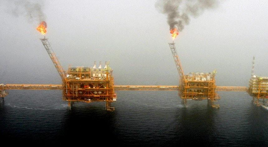 A exploração de petróleo em Timor-Leste está atrasada por falta de apoio logístico