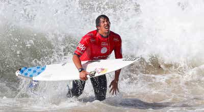 Surf. Vasco Ribeiro junta-se a ?Kikas? em Peniche
