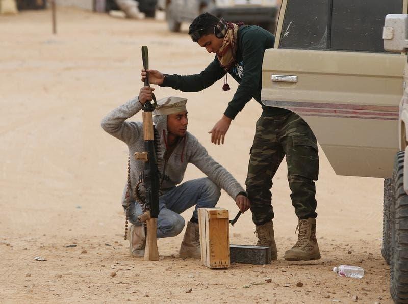 A maioria dos grupos rebeldes na Síria tem um sistema rudimentar de abastecimento dos combatentes durante os combates, ao contrário do Estado Islâmico Foto: Reuters