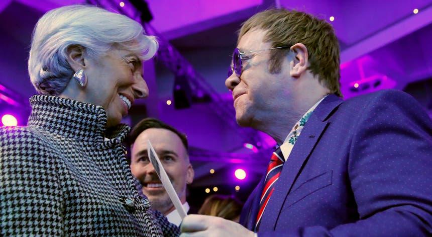 Um dos convidados deste ano é o músico Elton John. Foto: As principais figuras mundiais vão marcar presença em Davos. Foto: Denis Balibouse - Reuters