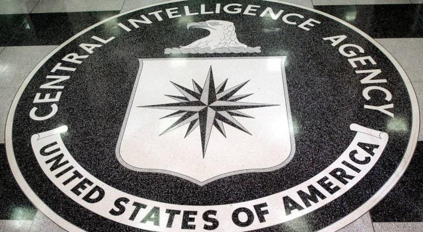Julian Assange é acusado pela justiça dos EUA de 18 crimes, incluindo espionagem, arriscando até 175 anos de prisão caso seja considerado culpado