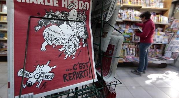 A segunda edição deCharlie Hebdo depois dos ataques terroristas de janeiro inclui dois artigos sobre os novos ventos que sopram da Grécia.