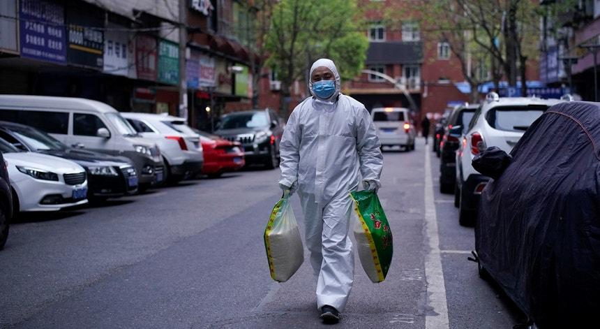 Depois da origem do vírus, a China tem agora casos importados