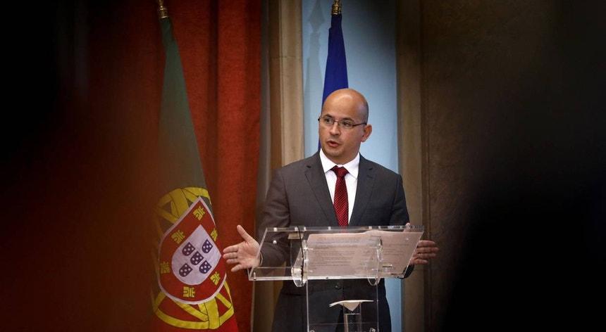 O ministro de Estado e das Finanças, João Leão, durante a apresentação do Orçamento do Estado para 2021
