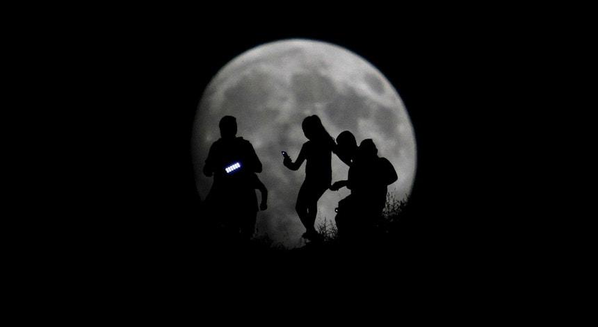 A lua vai estar apenas a 356 mil kms da Terra