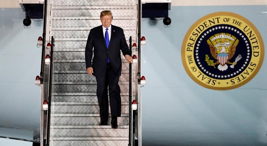 O Presidente norte-americano já está em Singapura para a cimeira com o líder norte-coreano