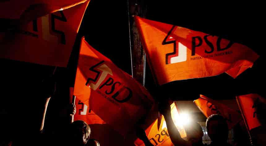 PSD. Montenegro acusa eliminação de militantes dos cadernos eleitorais