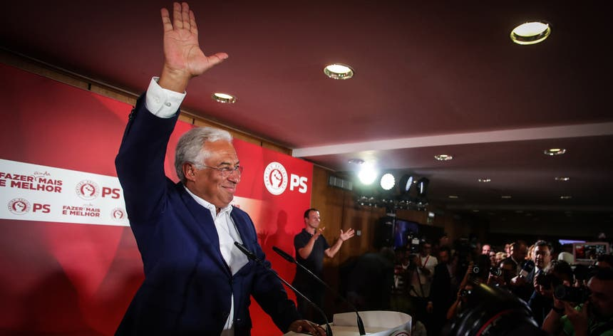 António Costa ao final da noite durante o discurso de vitória