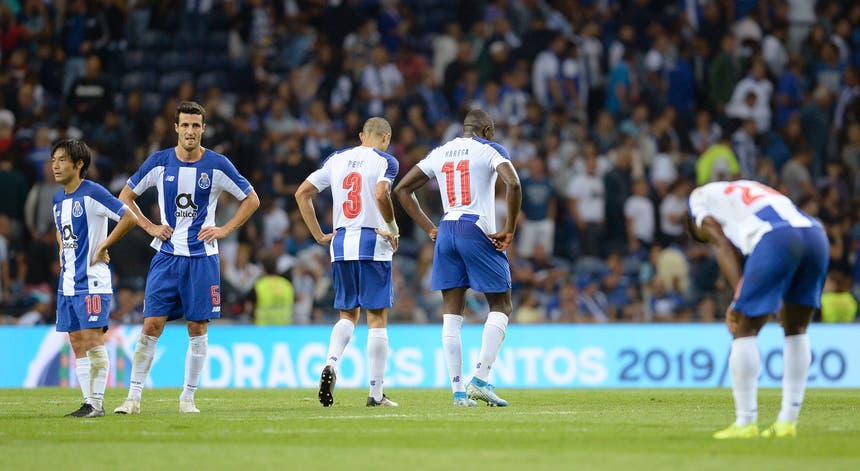 A equipa do FC Porto deixou a Liga dos Campeões ainda antes de lá entrar