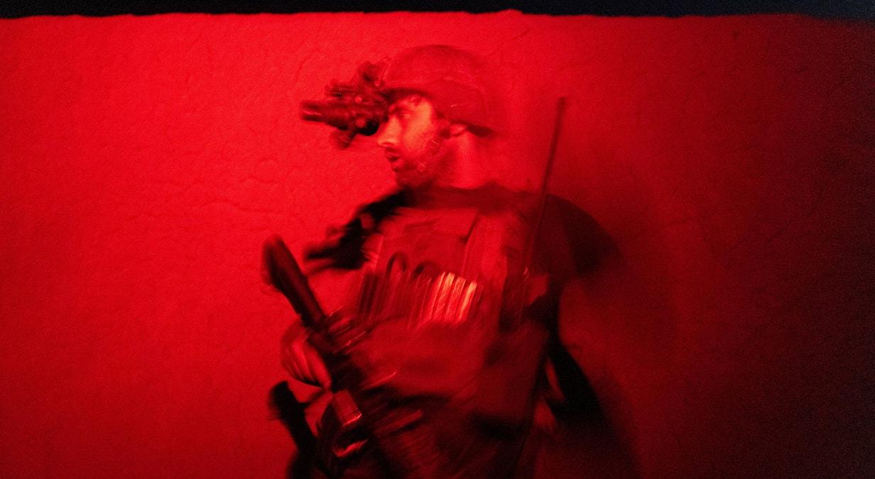 Kandahar. Militar das Forças Especiais afegãs em missão contra os Taliban, dia 12 de julho | Danish Siddiqui - Reuters