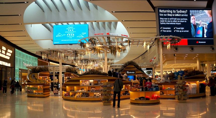 Nos aeroportos australianos o regresso ao movimento normal só em 2022