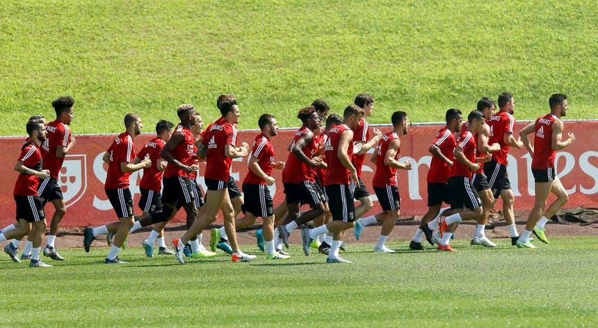 A equipa do Benfica corre à procura da primeira vitória da época na Liga dos Campeões