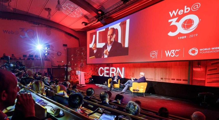 Tim Berners-Lee esta manhã no CERN, pelos 30 anos da Web
