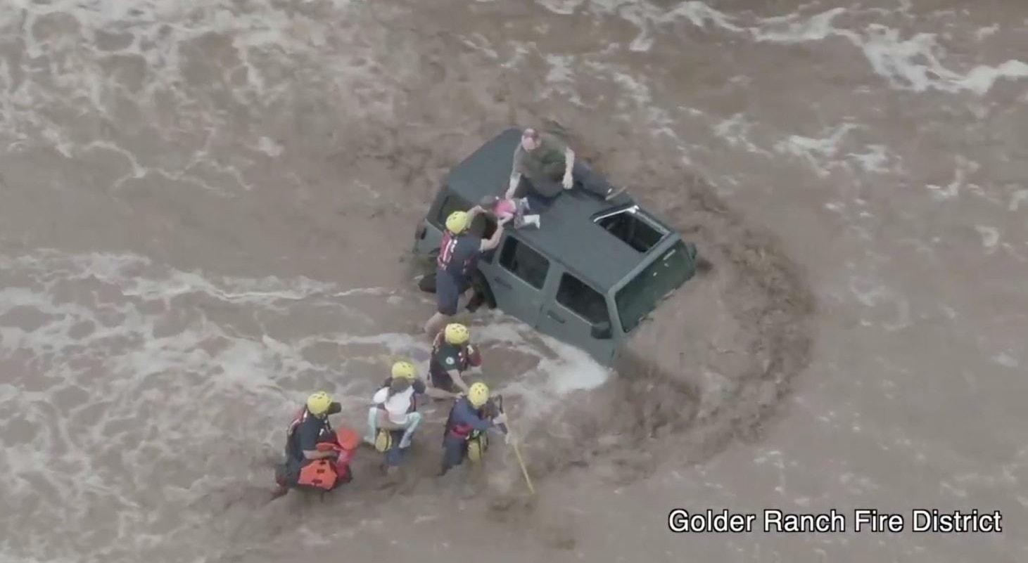 EUA. Resgate no Arizona | Golder Ranch Fire District - Reuters