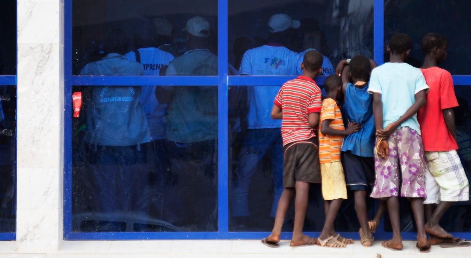 PM da Guiné-Bissau dá ordens de prisão a crianças e jovens apanhados a pedir esmola