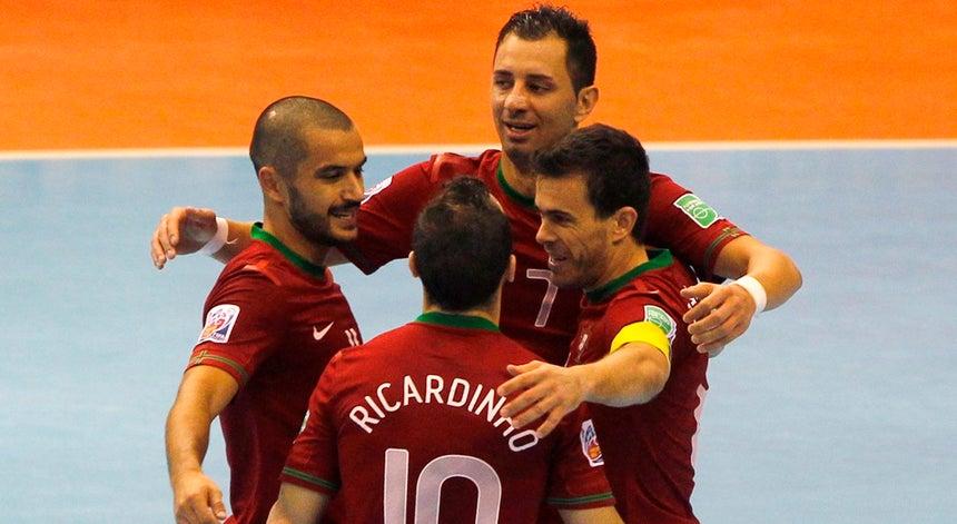 4c9a0b9530bc0 Ricardinho treina condicionado a poucos dias do Europeu de futsal ...