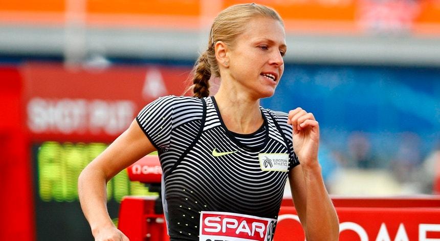 Stepanova tinha sido autorizada a disputar provas internacionais pela sob bandeira neutra