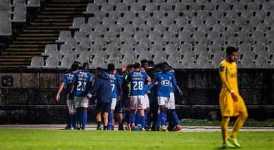 FC Porto atrasa-se
