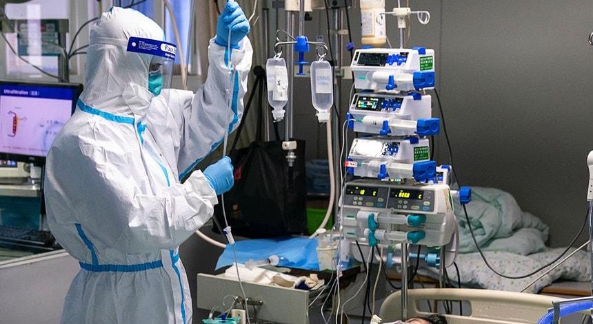 Apesar do empenho dos profissionais de saúde o vírus continua a ser devastador