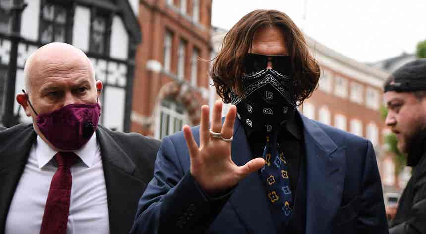 O ator atrás da máscara