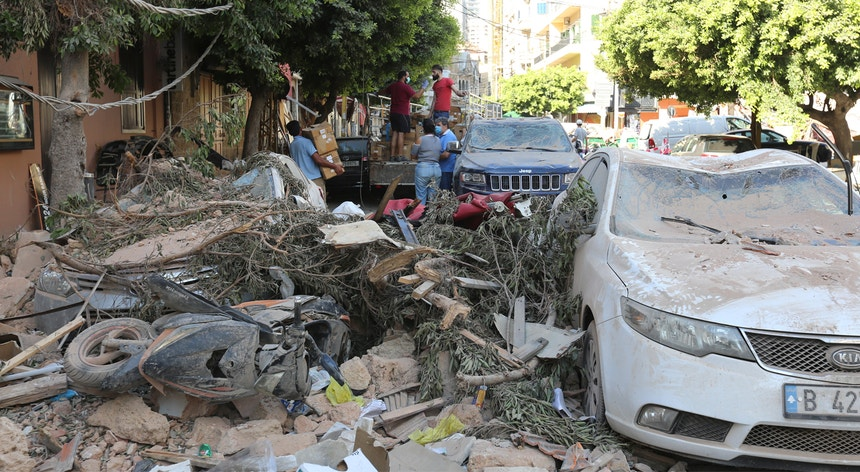 Beirute está em estado de emergência durante 15 dias, desde quarta-feira.