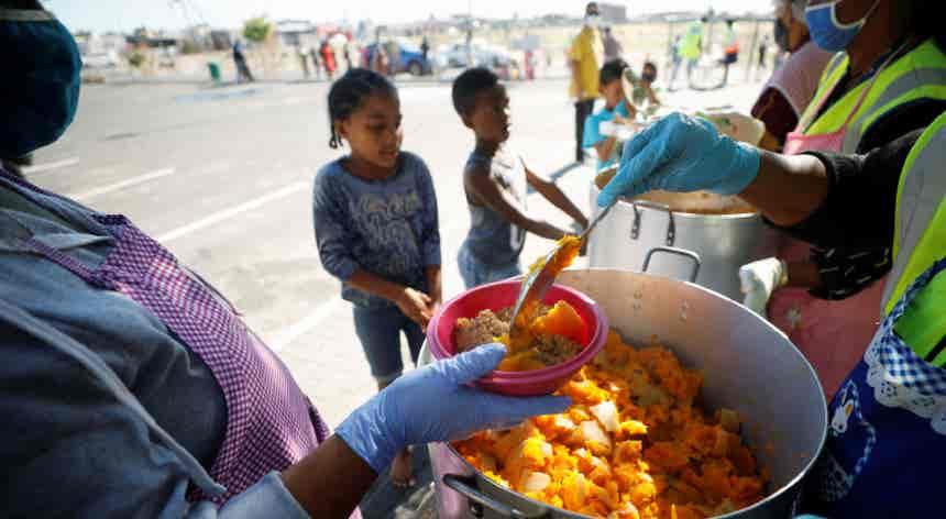 Fome originada pela pandemia pode matar mais pessoas do que a própria Covid-19
