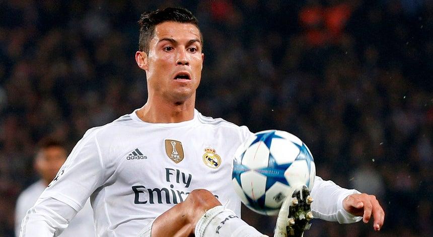 b4e86c4e57 Cristiano Ronaldo procura quinta