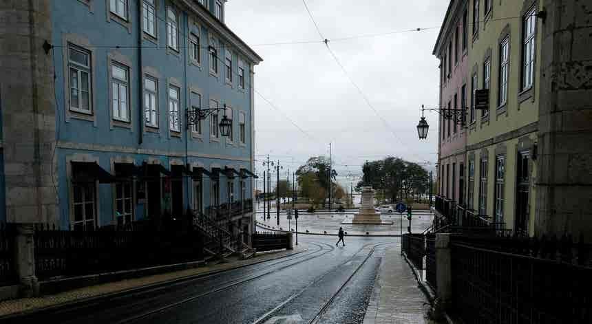 Covid-19. Circulação entre concelhos em Portugal continental proibida a partir das 20h00