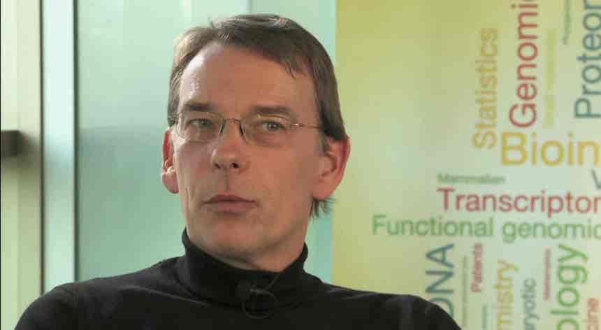 Diretor do Instituto Europeu de Bioinformática adverte para perigo da variante brasileira