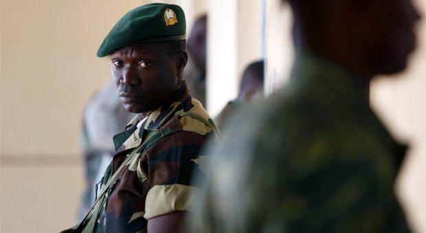 À ameaça de mais medidas sancionatórias da União Africana soma-se a expectativa em redor de uma reunião que o Conselho de Segurança das ONU vai dedicar à Guiné-Bissau