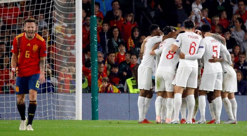 c808617015 A Espanha perdeu esta segunda-feira em casa com a Inglaterra 3-2