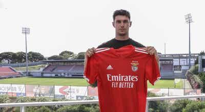 Benfica contrata avançado ucraniano Yaremchuk ao Gent por 17 milhões de euros