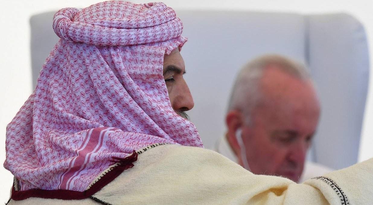 Sitio arqueólogico de Ur. Religioso Iraquiano com Papa | Vatican Media - EPA