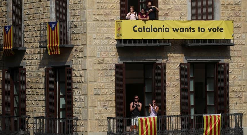 Apelos para a realização do referendo na Catalunha. Foto: Susana Vera - Reuters