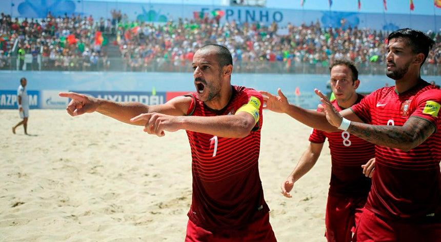 Seleção portuguesa de futebol de praia vence França por 5-3 ... b0ede06702f2f