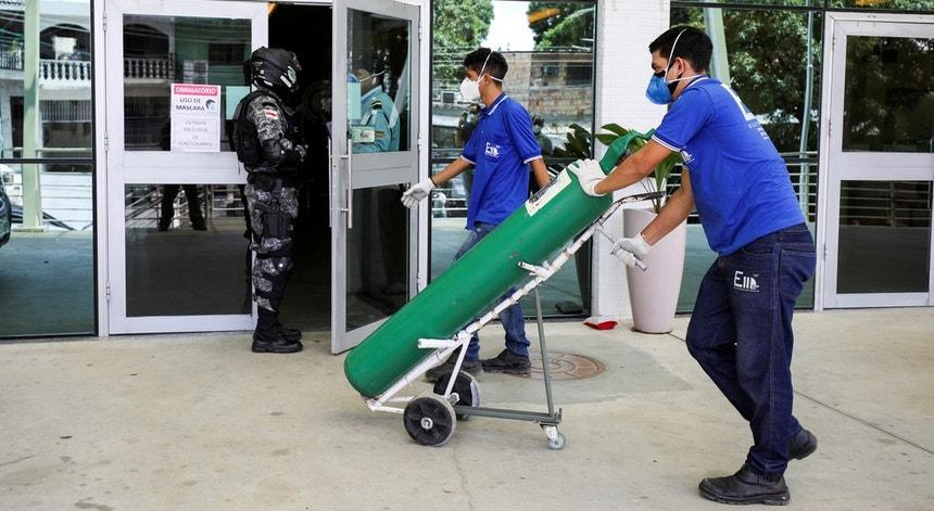 De vários quadrantes da sociedade brasileira surgiram vozes de apoio aos hospitais de Manaus